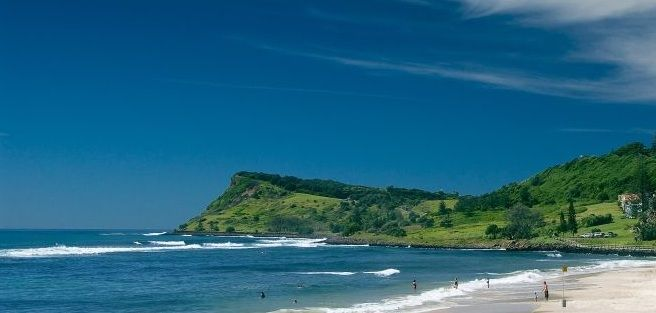 Lennox Head NSW your ideal holidays in the north coast of NSW in a seaside village. Swimming, surfing, windsurfing, walking in the rainforests are things you can look forward to during your holidays in Lennox Head. http://www.ozehols.com.au/blog/new-south-wales/accommodation-lennox-head-for-north-coast-holidays/ #LennoxHead #LennoxHeadHolidays #VisitLennoxHead