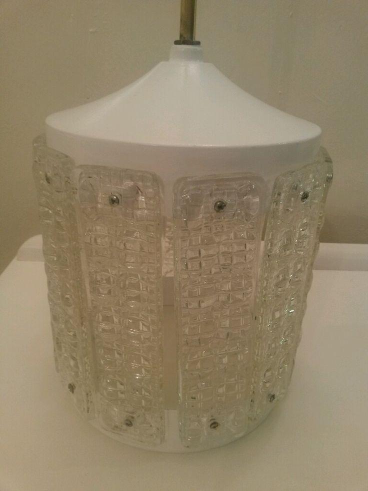 ¡Mirá nuestro nuevo producto Lámpara colgante de bronce y cristal tallado! Si te gusta podés ayudarnos pinéandolo en alguno de tus tableros :)