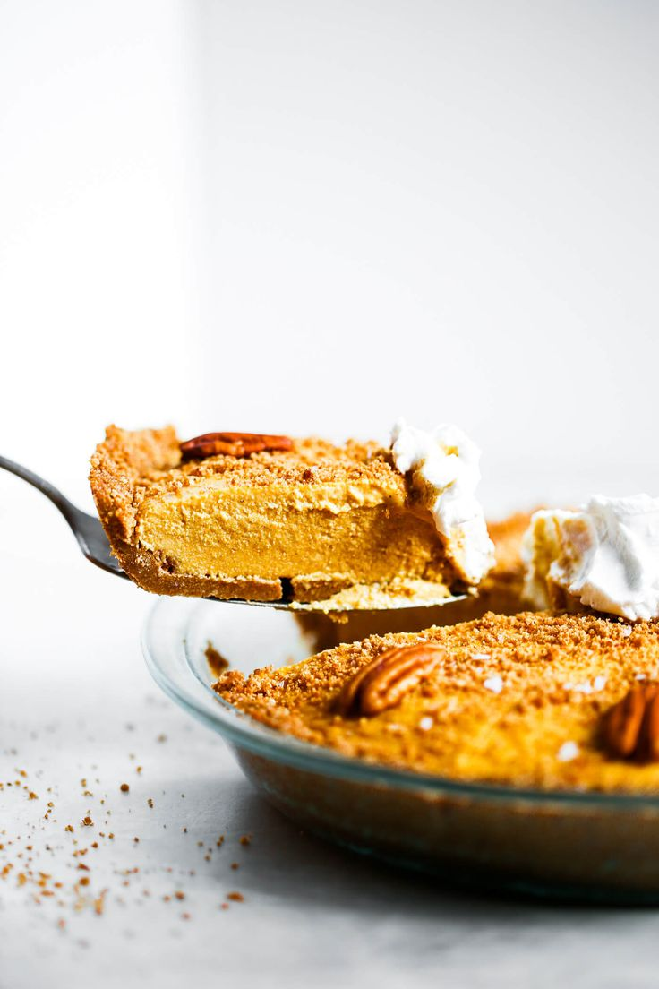 The easiest vegan pumpkin cheesecake! Grain free and paleo friendly. Pecan cookie crunch crust with a creamy vegan pumpkin filling. Lightly sweetened with maple syrup. Vegan, gluten free, and dairy free! Incredibly creamy and satisfying! Raw paleo cheesec
