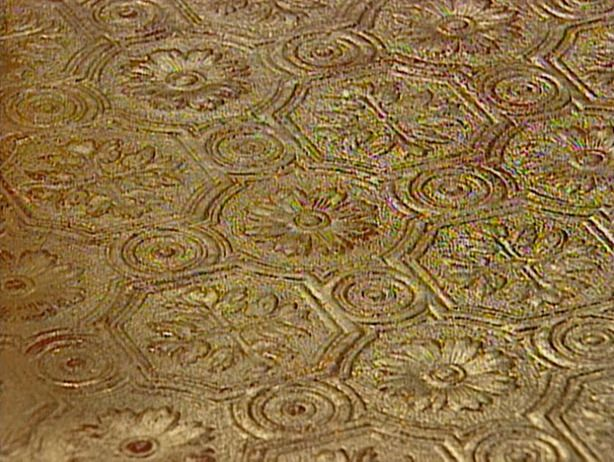 Striped Kitchen Rug Sinks Drop In Double Bowl Gold Leaf Finish To Embossed Wallpaper | Design ...