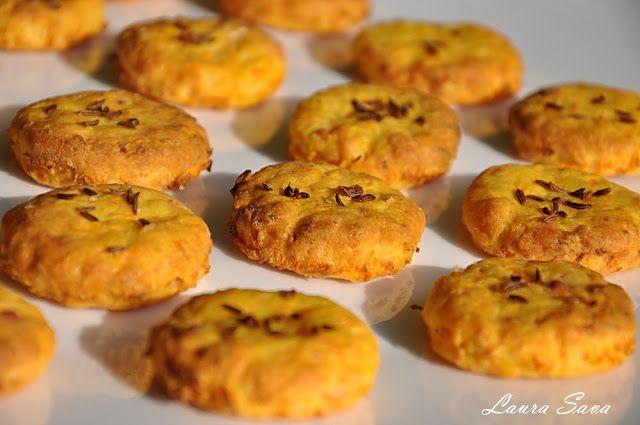Biscuiti sarati cu morcovi | Retete culinare cu Laura Sava