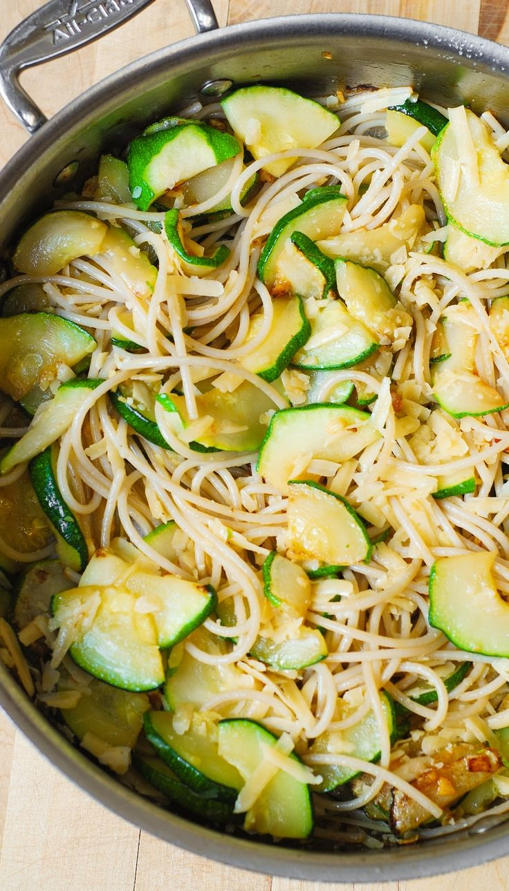 Parmesan Zucchini & Garlic Pasta (Spaghetti) - delicious and easy-to-make! Healthy, gluten free, vegetarian, meatless dinner recipe.