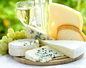 Кое сирење со какво вино се консумира?