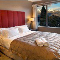 Lakeridge Apartments King Bedroom