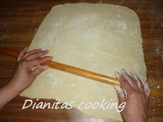 Εύκολο ζυμάρι για τέλειες πίτες.   Για το Φύλλο  5 κούπες αλεύρι για όλες τις χρήσεις  1/2 κούπα ελαιόλαδο  2 κ.σ. ξύδι  1 1/2 κ. γ. αλ...