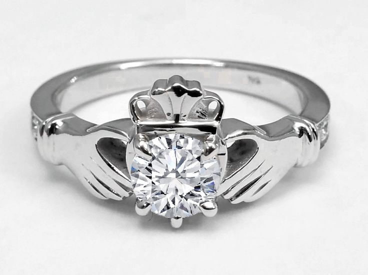 1000 ideas about claddagh engagement ring on pinterest. Black Bedroom Furniture Sets. Home Design Ideas