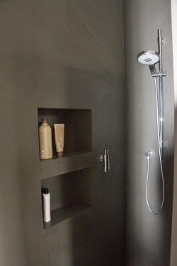 Fugenlose Dusche mit Nischen