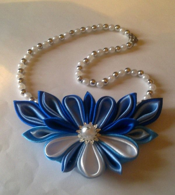 pretty kanzashi necklace