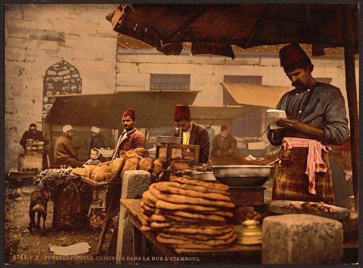 osmanlı dönemi istanbul'da bir ekmek satıcısı, Bakers stall, Constantinople (Istanbul), c.1890-1900