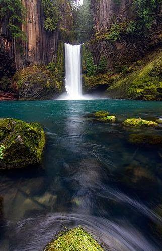 Toketee Falls, Oregon - USA Travel
