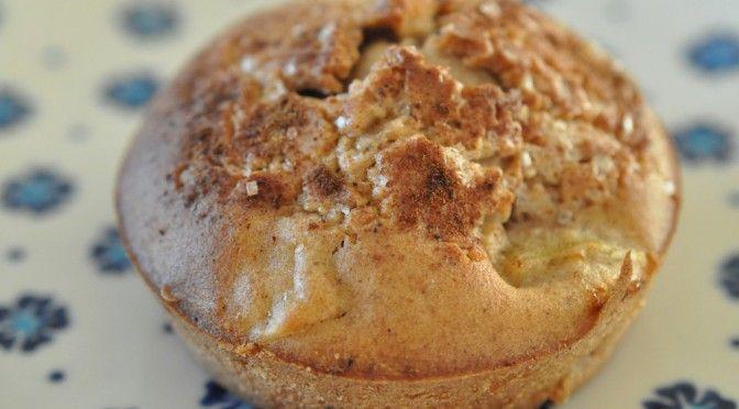 Fedtfattige æblemuffins med kanel og kardemomme