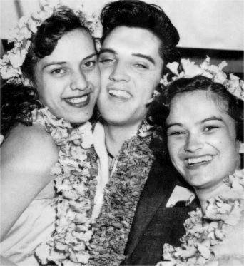 Resultado de imagem para elvis in hawaii 1957