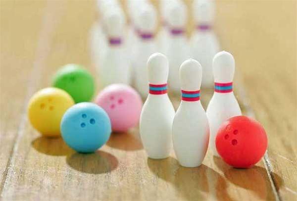 Bowling Eraser Set