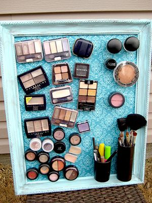 You'll never have to dig through a bag or bin again with this easy-to-do magnetic makeup board!