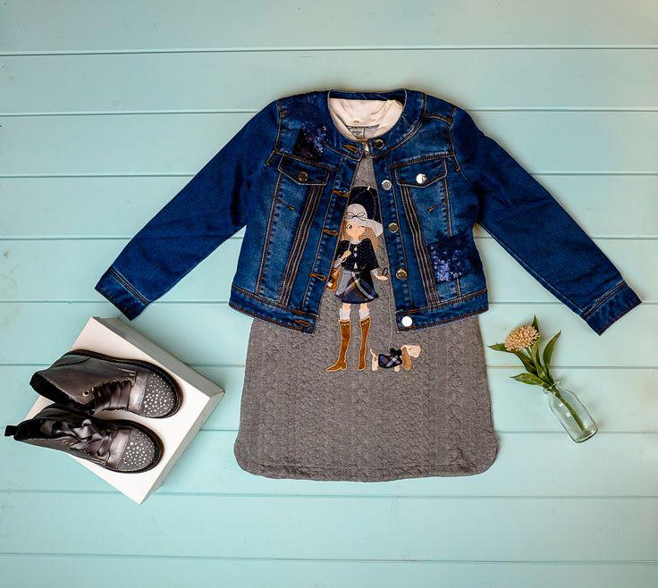 Идеальный лук для осени🍂 Вязанное платье и джинсовая куртка Mayoral🍂Куртка декорирована пайетками и ажурной вышивкой😍 А ботинки стального цвета со стразами сделают этот образ завершенным👌 Размеры: Платье 2-9 лет Куртка 8-14 лет Ботинки 21,25,28,29 Заказ и вопросы Viber/ WhatsApp/Telegram 📱➡ +7-927-282-72-71 Заказ каталога на нашем сайте, ссылка указана здесь ➡ @dolce_fashion_kids Доставка по миру 📦✈🌍 #КАТАЛОГ_Dolcefashion #instakidsfashion #люблюнемогу #малышканамиллион…