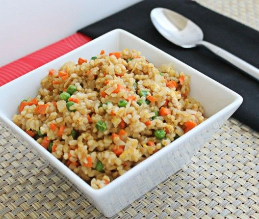 Fluffy brown rice with scrambled egg, crunchy carrots, and sweet peas | Vegetable Fried Rice with Brown Rice and Egg | Culinary Hill