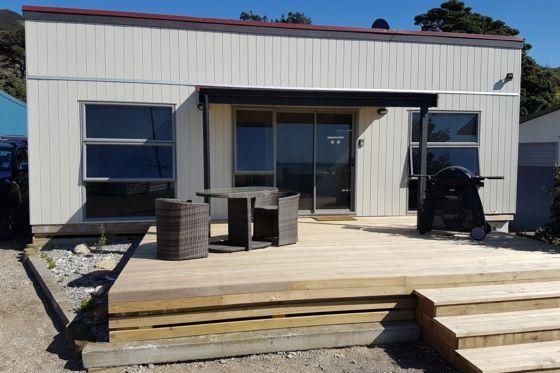 Walkers Retreat at Mataikona in Castle Point, Wairarapa | Bookabach