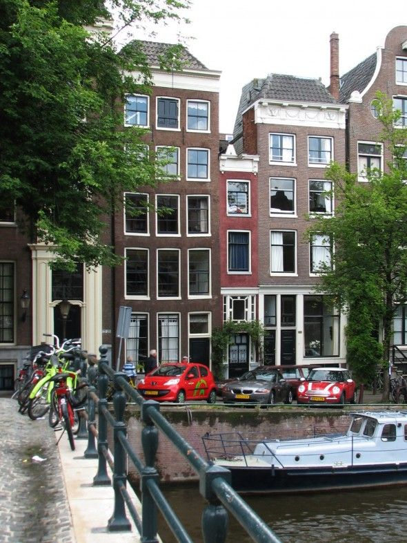 The narrowest house #amsterdam #mustsee #accorcityguide The nearest Accor hotel : Sofitel The Grand Hotel Amsterdam