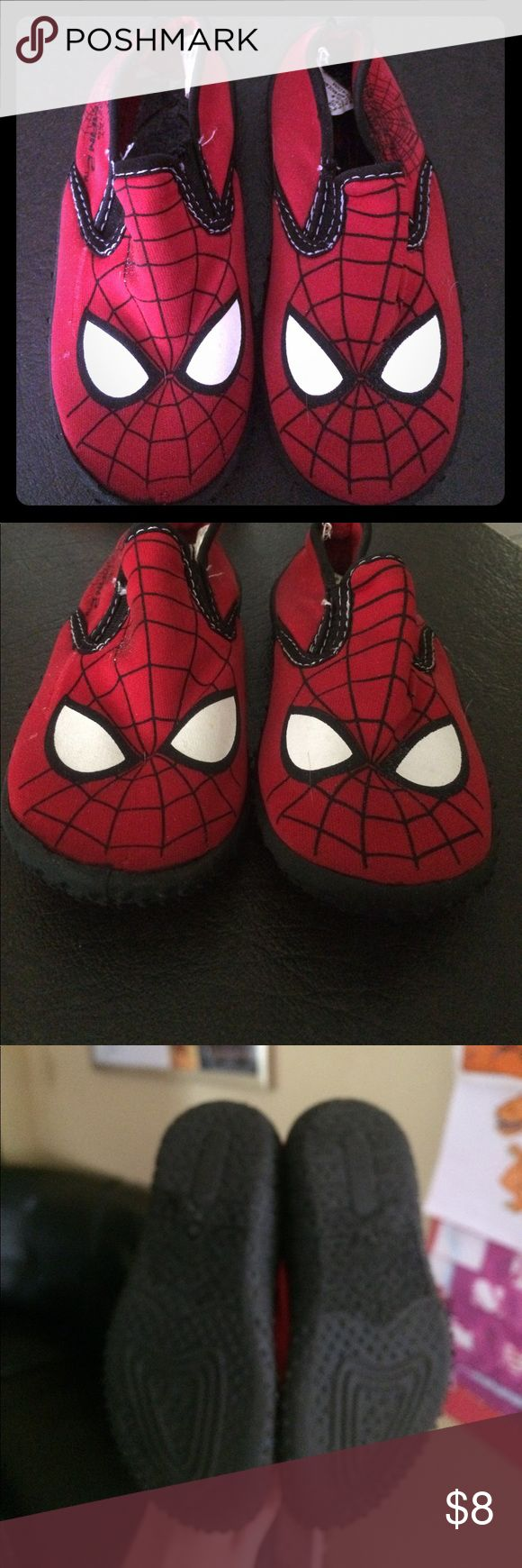 Spiderman water shoes size 9 boys Marvels Spiderman boys water shoes.  Hardly used! Great condition.  Soles are almost perfect.  Only missing one insole.  Soze 9 from a smoke free home. Marvel Shoes Water Shoes