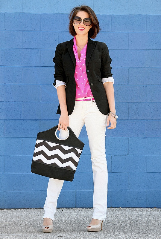 What I Wore: Bright White (loving this vintage top with black and white): Bright White, White Pants, White Jeans, Pink Top