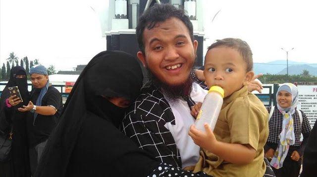 Mengejutkan.. Inilah Ungkapan Istri Setelah Caisar Kembali Joged di TV http://news.beritaislamterbaru.org/2017/08/mengejutkan-inilah-ungkapan-istri.html