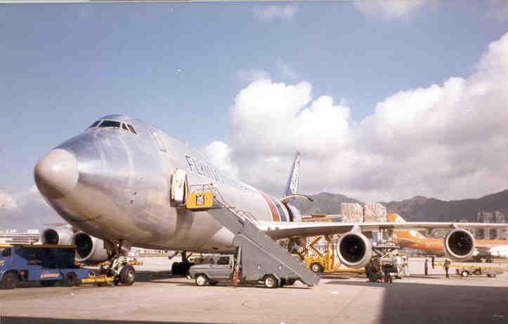 Flying Tiger in Kai Tak, 1980s  Flying Tiger Line/Flying Tigers Airline   www.facebook.com/VintageAirliners ~~✈