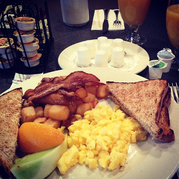 A plate of Canadian breakfast. Photo by Romy Mlinzk. #ExploreCanada