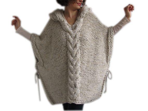 Dieser Poncho ist Hand mit Kabel stricken Muster stricken. Es wird mit Alpaka-Garn hergestellt. Es hat eine Kapuze. Sie können es auf Ihre Tops oder Mäntel tragen. Es ist sehr warm und gemütlich. Ich kann diese Capalet auch in jeder Farbe und Ihre Maßnahmen machen. Es ist umfangreich. Über Größe - Plus Größe. Ihre Capalet werden in 5-7 Tagen. Für unseren Shop sehen: http://www.etsy.com/shop/afra Frage, nur Convo. ---In einer Haustier- und Rauch-freie Umgebung vorgenommene.--- ---Alle ...