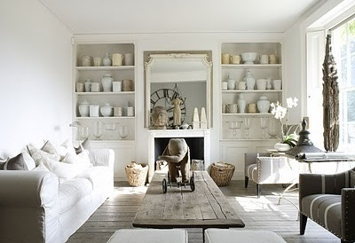 Love white living rooms!!!: White Living, Living Rooms, Living Spaces, Built In, Interiors Design, Coff Tables, Wood Shelves, Natural Wood, Barns Wood