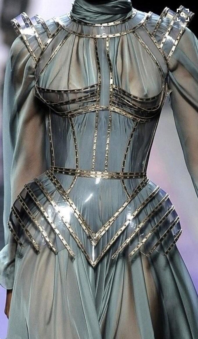 Female armour haute couture haute couture pinterest for Couture a valenciennes