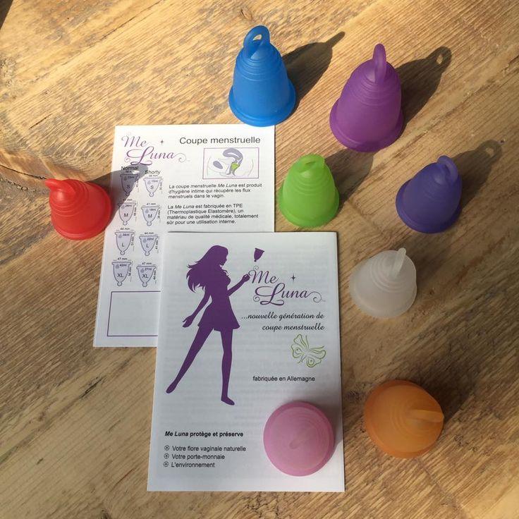 Les coupes menstruelles de MeLuna existent en différentes formes, tailles et couleurs. Elles sont fabriquées en Allemagne et sont très écologiques, pratiques et bon marché.