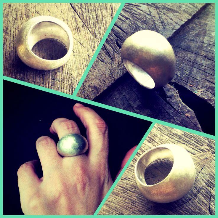 Wide bombé ring - silver :: Caro Fischer :: Joyería Contempránea de Autor :: Contemporary Handcrafted Jewelry