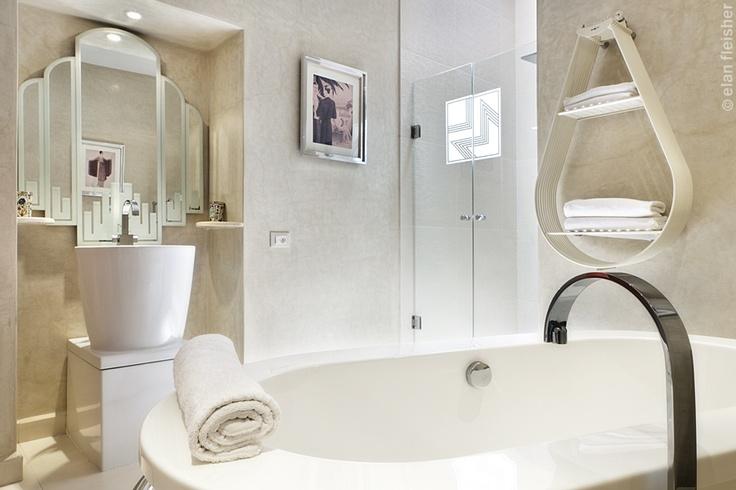 un atypique riad art d co marrakech salle de bains. Black Bedroom Furniture Sets. Home Design Ideas