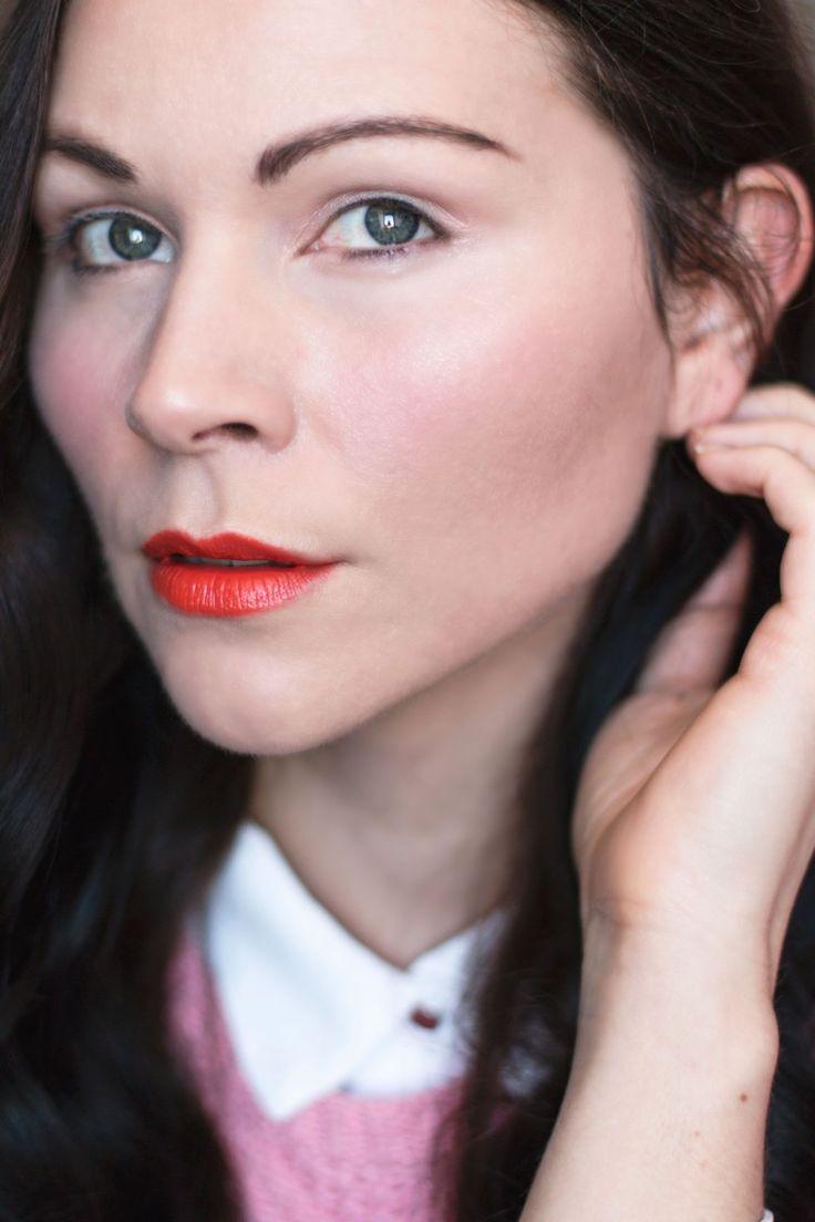 http://www.kleidermaedchen.de  | Kleidermädchen präsentiert zusammen mit 9 Bloggerinnen eine Blogger Aktion rund um das Thema Ostern. Von Outfit bis hin zu Deco ist alles dabei. Den Auftakt macht eind frühlingshaftes Make-up mit orangen Lippen.