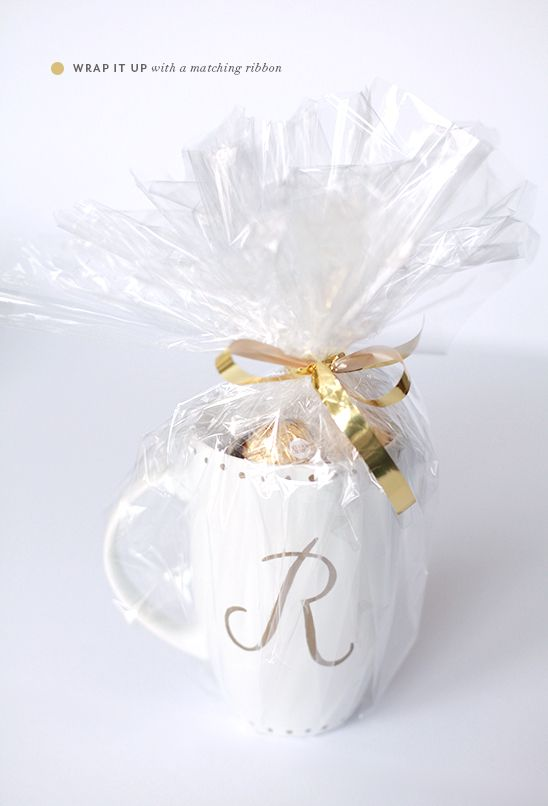 DIY | monogrammed gold sharpie mugs - PINEGATE ROAD  Decorate with Sharpie.  Bake 425 for 30 min.  Let cool in oven.