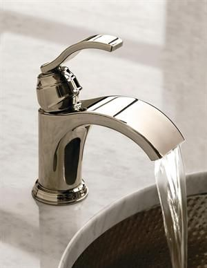 Centerset 1 Handle Bathroom Faucet In Polished Chrome