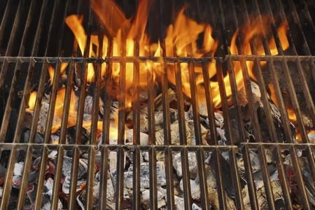 Burning grill grates