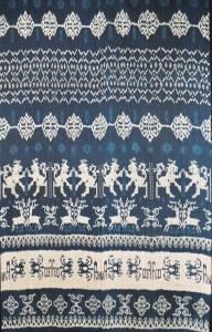 "Warp ikat ""hinggi"" (waist cloth) from Sumba using natural indigo dye (1970's). http://www.patolaratu.com/patolagallery/SUM_109/IMAG001.JPG"