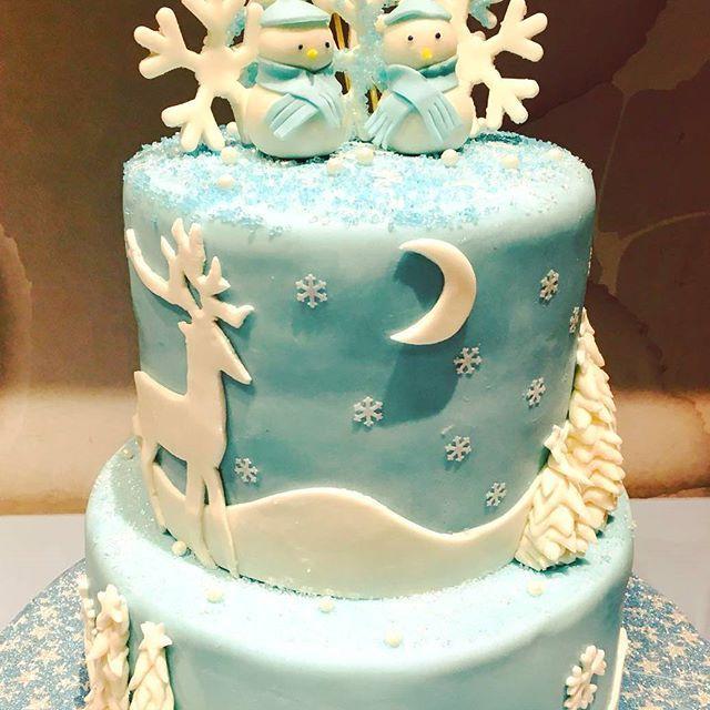 Winter Wonderland Cake for a staff event.  -  -#winterwonderland #snowman #snowflakes #waferpaper #christmasparty #holidays #sweetboucakes -#cakesofinstagram #cakegram #instacake #cakestagram #bramptoncakes #brampton #gta #mississauga #sweetboucakes #winterwonderland #snowmen #snowman #snowflakes #winterblue @sweetboucakes  Photo courtesy of @mondadel