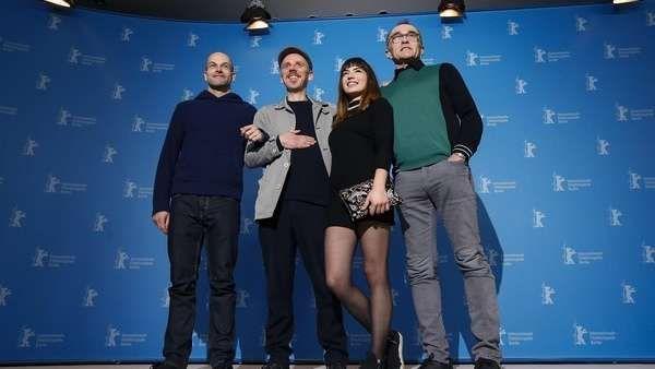 """""""T2 Trainspotting"""": En búsqueda del sentido de la vida  El director Danny Boyle presentó en la Berlinale su T2 Trainspotting, una secuela del icónico filme rodado veinte años atrás, que huye de la mera... http://sientemendoza.com/2017/02/10/t2-trainspotting-en-busqueda-del-sentido-de-la-vida/"""
