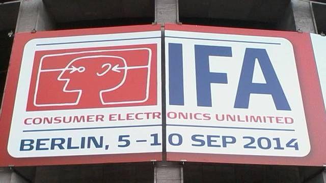 Bert Hilby zeigt Impressionen von der IFA-Berlin, der in der Welt wichtigsten Ausstellung für Home, Entertainment, Audio& Communikations Elektronik. Like  Bert, like Bert's Music.