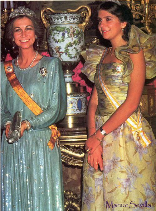 Reina Sofia de España E Infanta Cristina.
