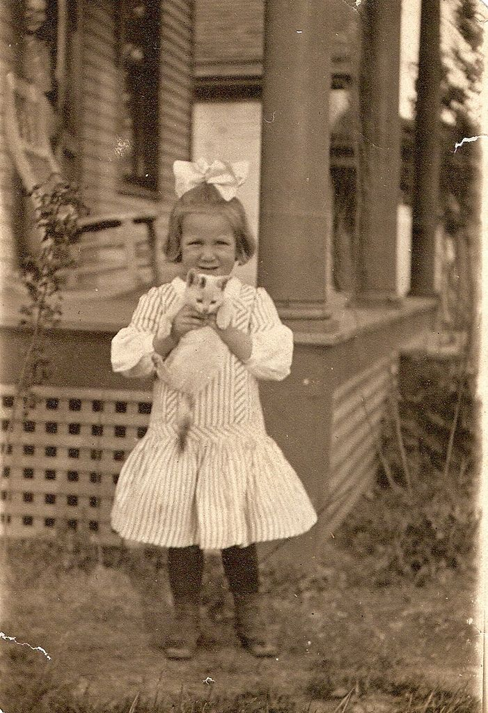 All sizes | Vintage girl | Flickr - Photo Sharing!