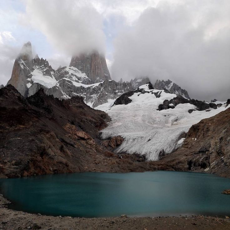 Magnificent turquoise Lago de Los Tres at the foot of Fitz Roy. Just before sunset and rain.  #hasajcezajace  #travel #trip #travelmore #instatravel #outdoorliving #outdoor #adventure #fitzroy #neverstopexploring #argentina #losglaciares #lago #mountains #hike  #nofilterneeded #nofilter #clouds #cloudporn #formomentslikethis