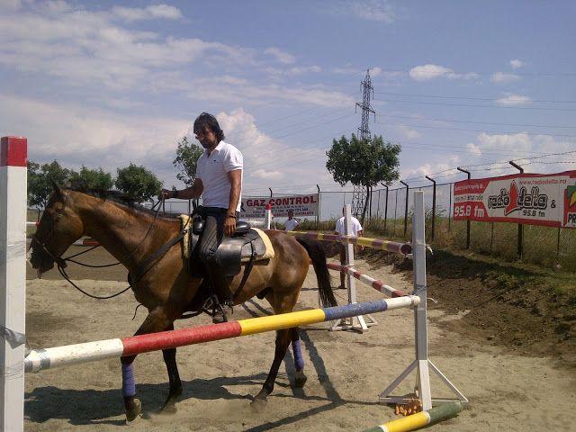 Dave Gahan rides a horse