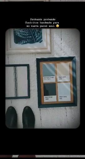 Postales, géneros y mix de texturas  en cuadros hechos en casa con marcos reciclados. Más detalles ➡ Wall E, Pantone, Frame, Blog, Home Decor, Color Of The Year, Shades Of Blue, Blue Nails, Colors