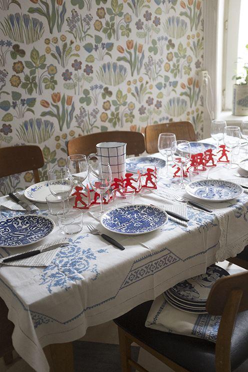 Lovely blues on the table, Gustavsberg porcelain, Josef Frank wallpaper. Feine Kleine Day