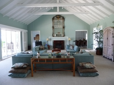 perfectly calm colors and white ceiling rafters