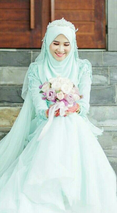 How about this colour for your wedding? photo @augustpixtures