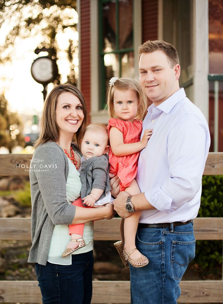 Family Portraits with Baby, Family Photo Session, Family with young children poses Holly Davis Photography | Spring TX Family Photography